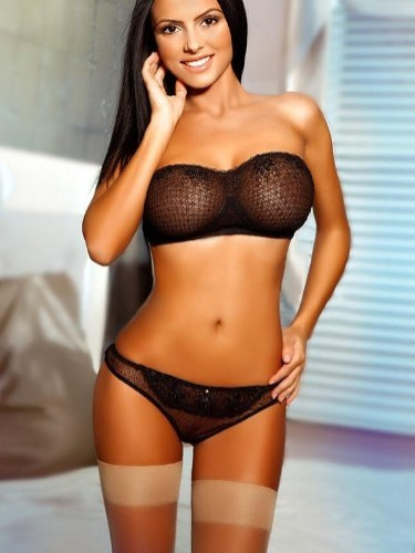 Teen Escort Alecia in London, United Kingdom - Photo: 2