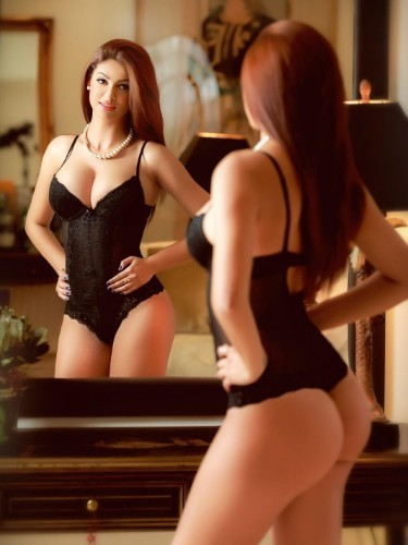 Teen Escort Santina in London, United Kingdom - Photo: 4