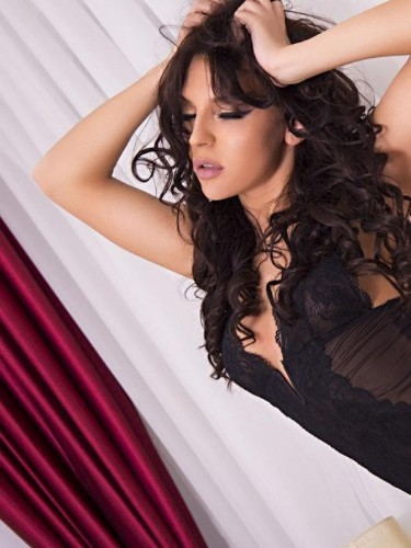 Teen Escort Chiara in London, United Kingdom - Photo: 6