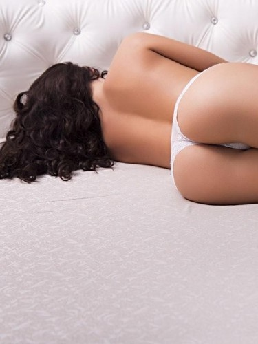 Teen Escort Chiara in London, United Kingdom - Photo: 4