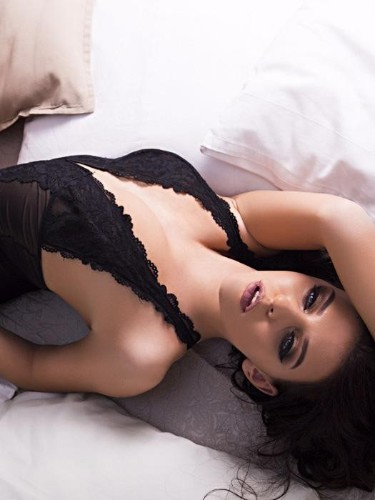 Teen Escort Chiara in London, United Kingdom - Photo: 7