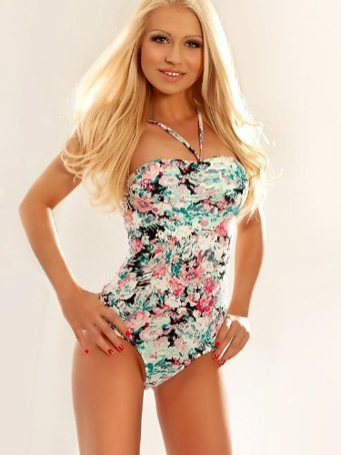 Teen Escort Cassy in London, United Kingdom - Photo: 1