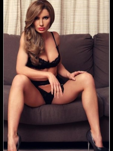 Teen Escort Safira in London, United Kingdom - Photo: 3