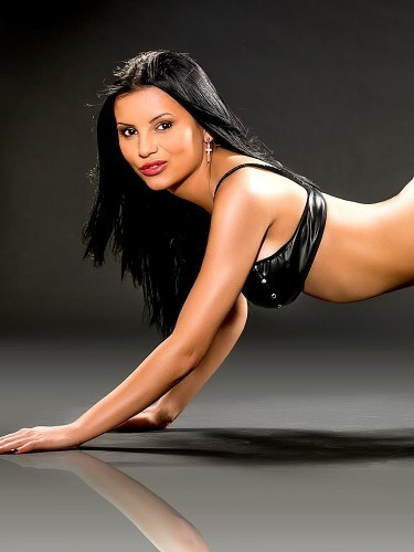 Teen Escort April in London, United Kingdom - Photo: 1