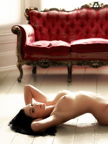 Teen Escort Amaya in London, United Kingdom - Photo: 4