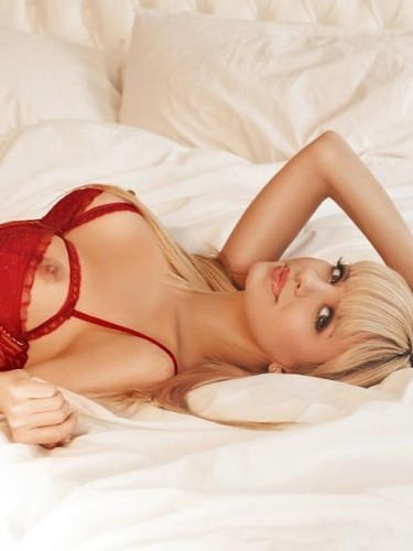 Teen Escort Amina in London, United Kingdom - Photo: 3