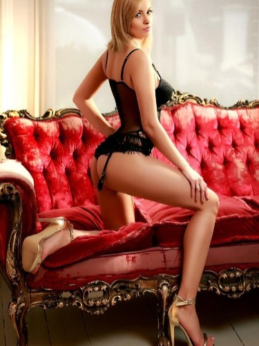 Teen Escort Gemma in London, United Kingdom - Photo: 5