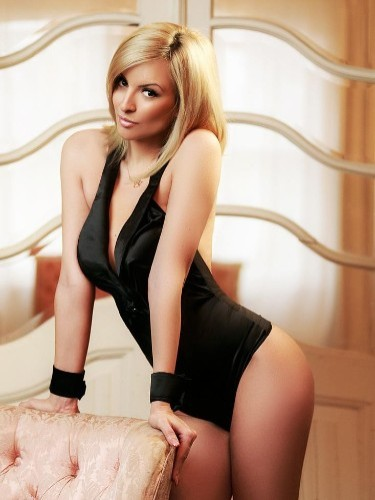 Teen Escort Gemma in London, United Kingdom - Photo: 4