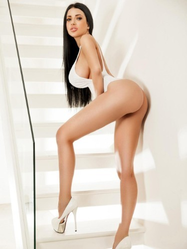 Teen Escort Cleo in London, United Kingdom - Photo: 5