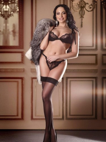 Teen Escort Zarina in Istanbul, Turkey - Photo: 3