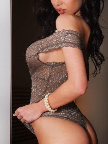 Teen Escort Angelina in Prague, Czech Republic - Photo: 2