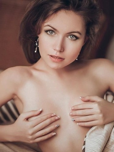 Teen Escort Camille in Rome, Italy - Photo: 5
