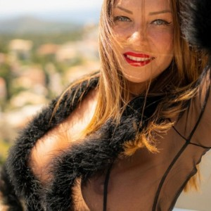 Escort Lola Mila in Athens, Greece
