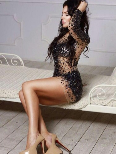 Teen Escort Alina in Istanbul, Turkey - Photo: 6