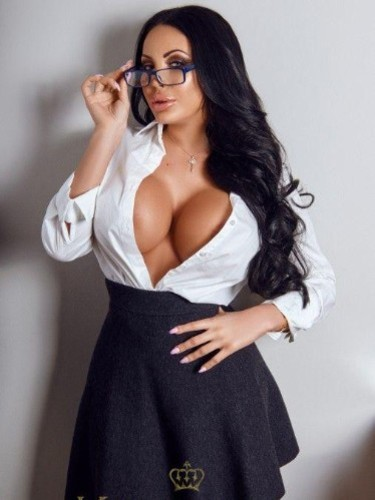 Teen Escort Anastasia in London, United Kingdom - Photo: 4