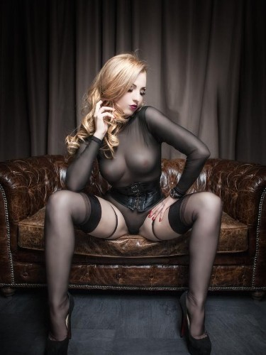 Fetish Mistress Escort Gina Doll in Amersfoort, Netherlands - Photo: 4