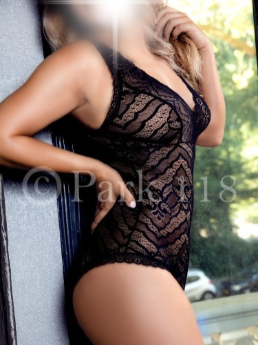 Teen Escort Zoe in Amsterdam, Netherlands - Photo: 4
