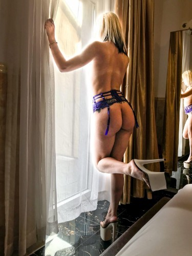 Teen Escort Aleksa021 in Salzburg, Austria - Photo: 5