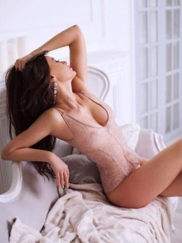 Escort Chloe in London, United Kingdom - Photo: 4