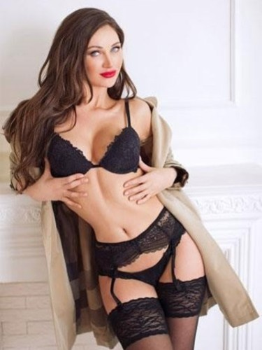 Escort Chloe in London, United Kingdom - Photo: 3