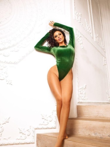 Teen Escort Adelina in Amsterdam, Netherlands - Photo: 3