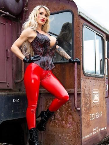 Fetish Mistress Teen Escort Calea Toxic in Almere, Netherlands - Photo: 6