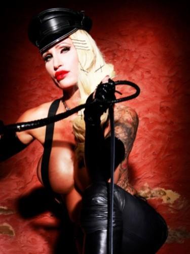 Fetish Mistress Teen Escort Calea Toxic in Almere, Netherlands - Photo: 7