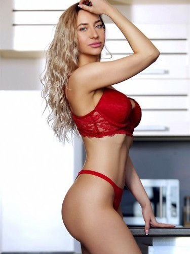 Teen Escort Fiona in Moscow, Russia - Photo: 3