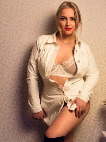 Teen Escort Amalia in Athens, Greece - Photo: 5