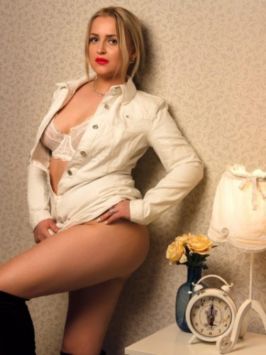 Teen Escort Amalia in Athens, Greece - Photo: 4