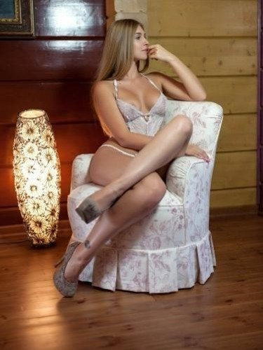 Teen Escort Agata in Prague, Czech Republic - Photo: 4