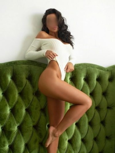 Teen Escort Zoe in Prague, Czech Republic - Photo: 5