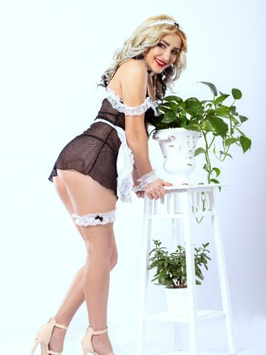 Teen Escort Giulia in Limassol, Cyprus - Photo: 5
