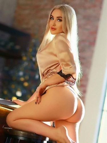 Teen Escort Cherry in Moscow, Russia - Photo: 3