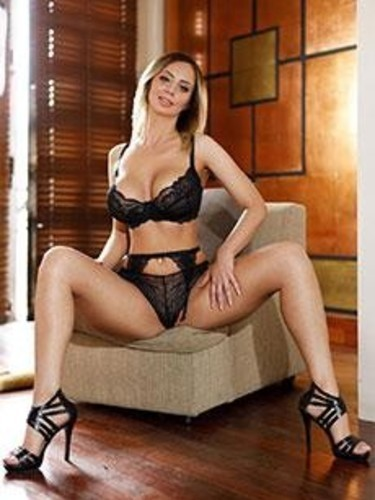 Elite Escort Agency Cheap and Chic in London - Photo: 19 - Julia