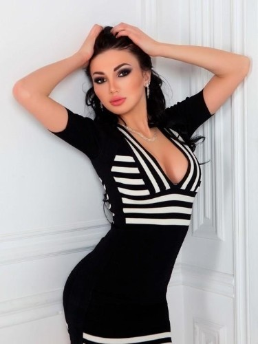 Teen Escort Samantha in Moscow, Russia - Photo: 3