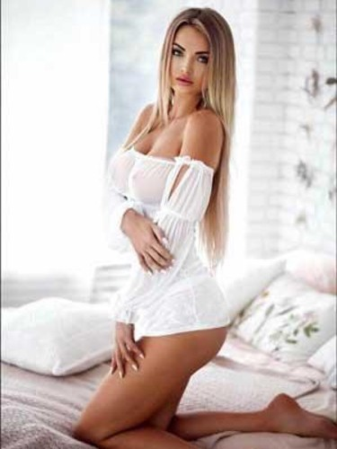Elite Escort Agency F Girls in United Kingdom - Photo: 6 - Dinara