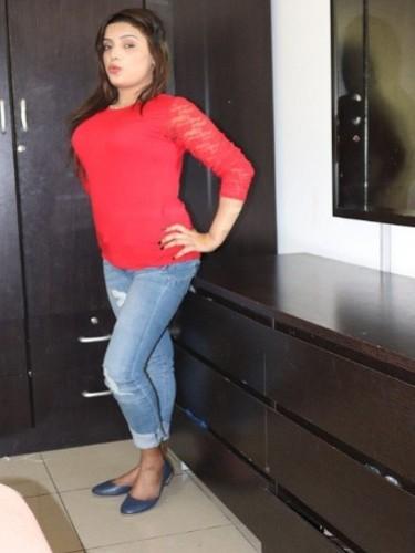Teen Escort Sneha Khanna in Dubai, Verenigde Arabische Emiraten - Foto: 3