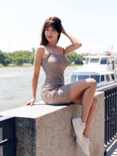 Teen Escort Alexandra in St Petersburg, Russia - Photo: 4