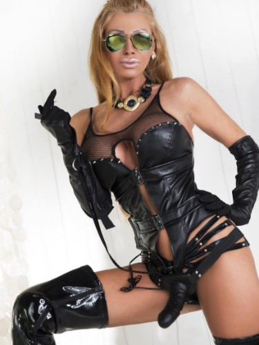Milf Escort Amanda in Vienna, Austria - Photo: 4