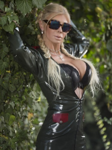 Milf Escort Amanda in Vienna, Austria - Photo: 5