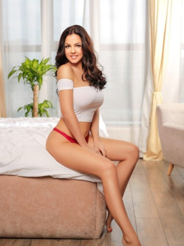Teen Escort Anna in Athens, Greece - Photo: 5