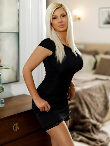 Escort Sonia in London, United Kingdom - Photo: 3
