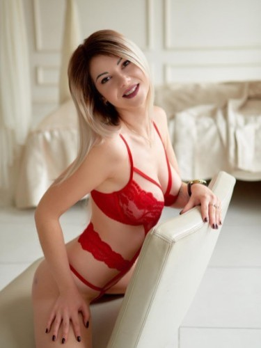 Teen Escort Melissa in Amsterdam, Netherlands - Photo: 3