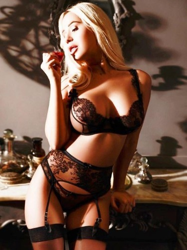 Elite Escort Agency AB Escorts in London - Photo: 15 - Erica
