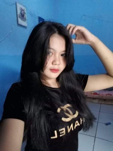 Teen Escort Sandra in Jakarta, Indonesië - Foto: 1