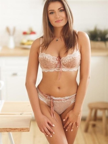 Teen Escort Simona in Moscow, Russia - Photo: 3