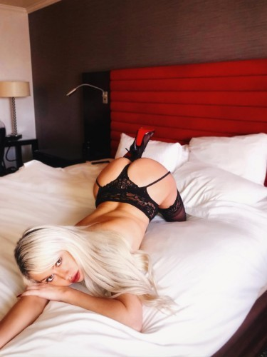 Teen Escort Chanel Chardonn in Miami, United States - Photo: 6