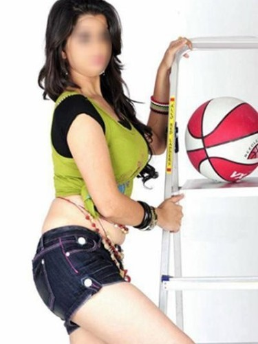 Teen Escort Shivanya in Mumbay, India - Photo: 3
