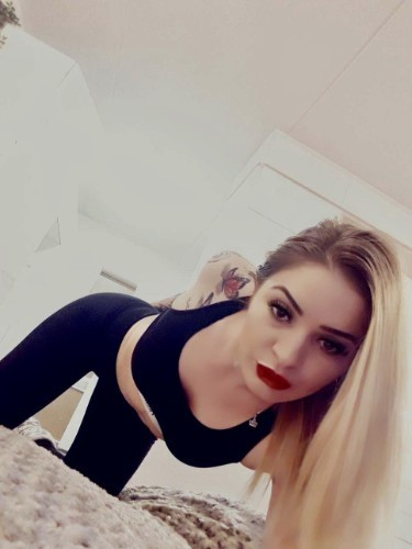 Teen Escort Alyona in Saarbrucken, Germany - Photo: 6